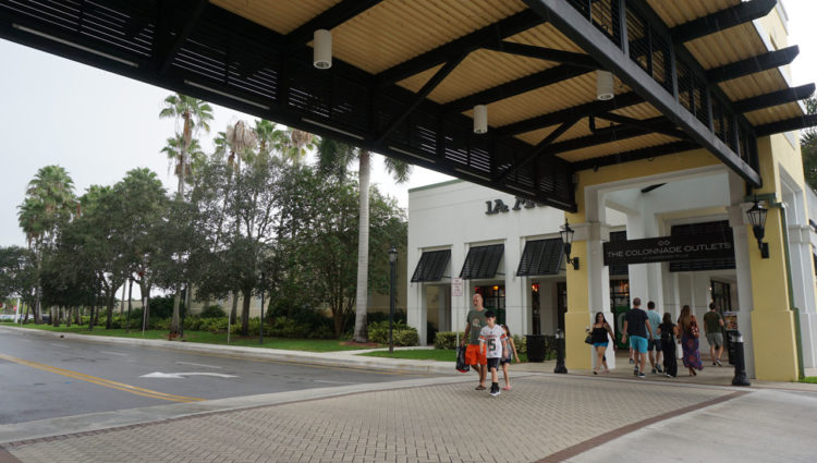 Sawgrass Mills Outlet: The Colonnade