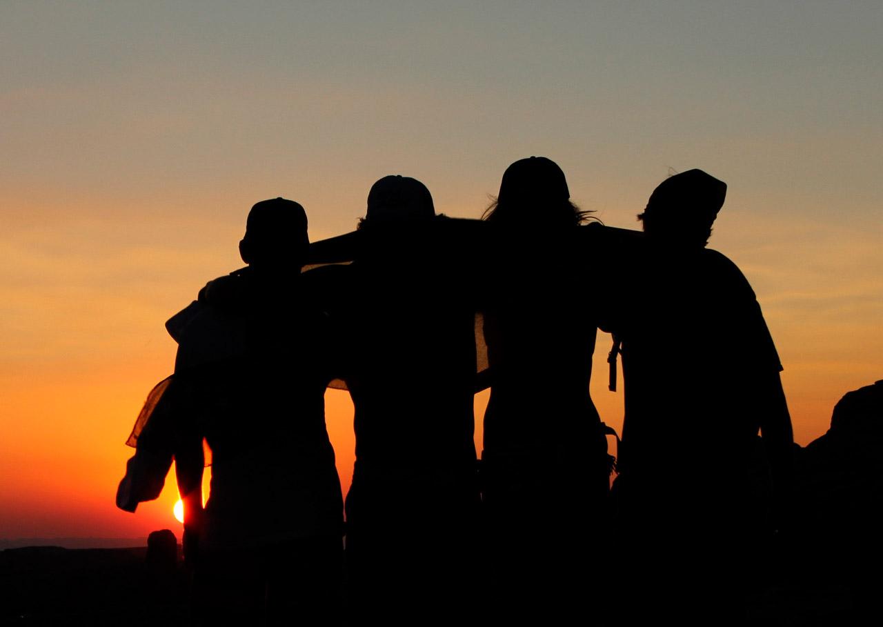 10 formas de viajar acompanhado sem destruir velhas amizades