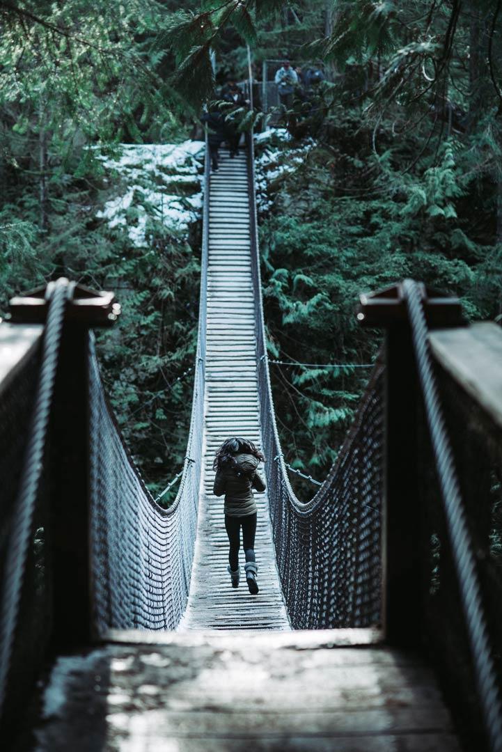 Conheça Capilano Suspension Bridge, a maior ponte suspensa do mundo em Vancouver, um dos lugares que você não pode deixar de conhecer no Canadá