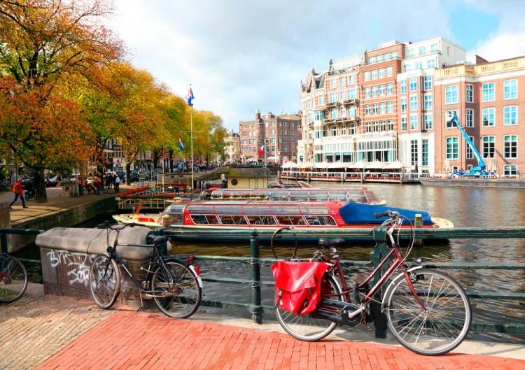 Amsterda-holanda-canais-bicicletas