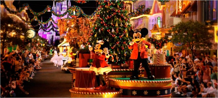 Mickeys-Very-Merry-Christmas-Party-04