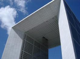 La Défense: o Eixo Histórico de Paris e as melhores dicas de compras