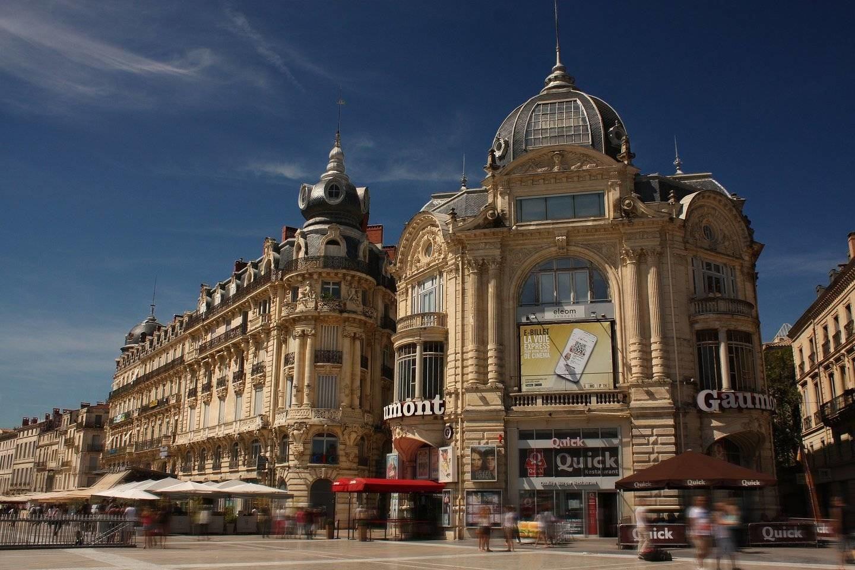 Dois lugares fantásticos na Place de la Comédie, Montpellier