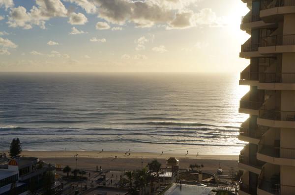 Gold-Coast-Grand-Chancellor-sun-rise
