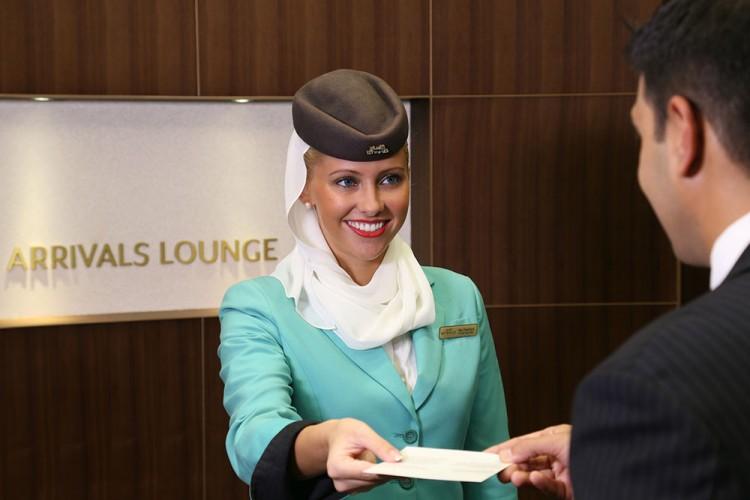 Etihad_Airways_Arrivals_Lounge_3_baixa