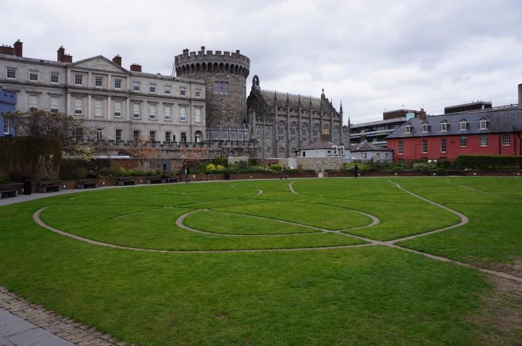Dublin-Dublin-Castle-05-Dubh-Linn-Gardens