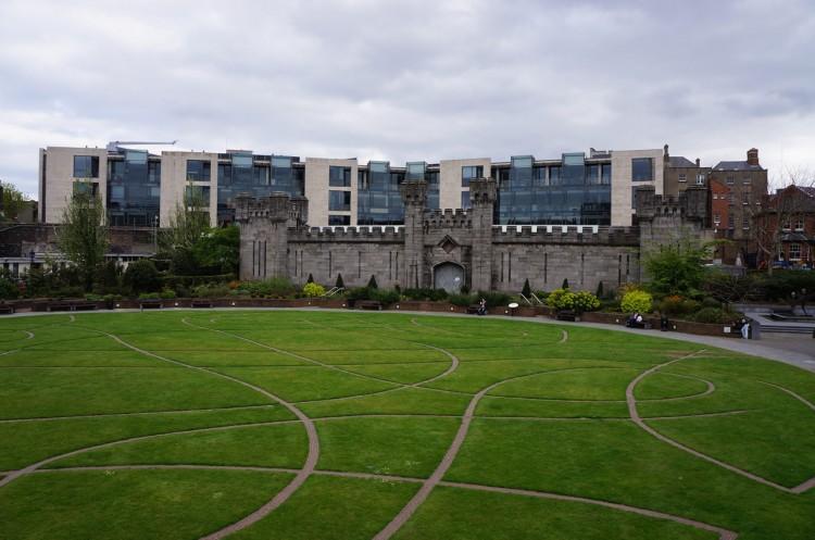 Dublin-Dublin-Castle-13-Dubh-Linn-Gardens
