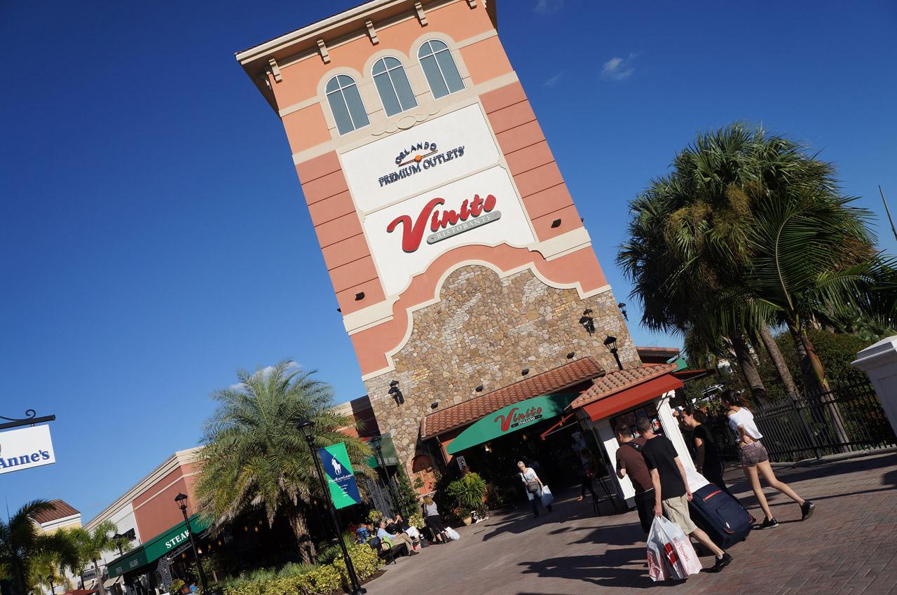 É melhor fazer compras em Orlando ou Miami?