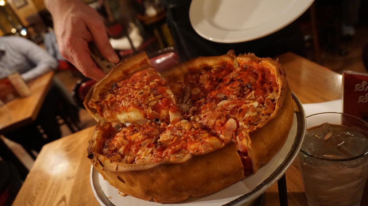 3 pizzas famosas em Chicago – esse post engorda!
