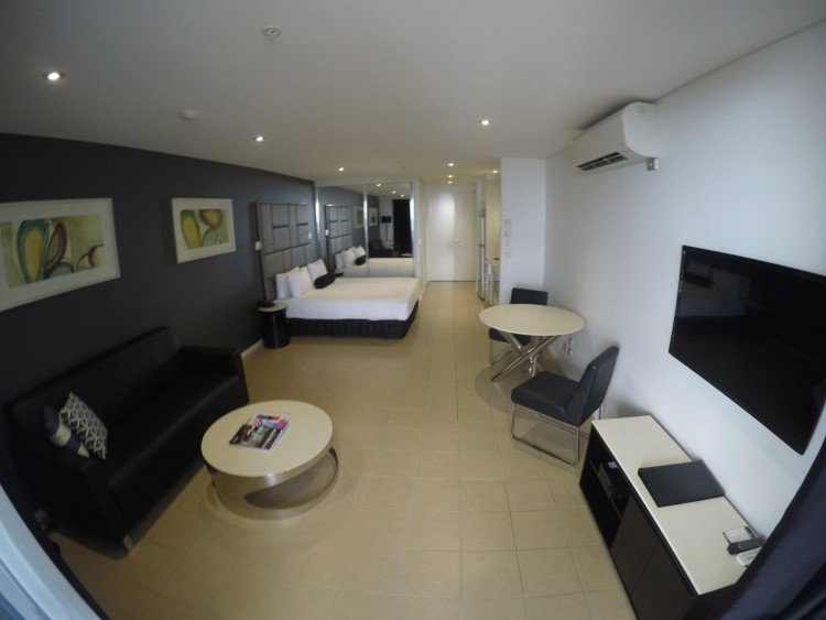 GOPRO-Gold-Coast-Meriton-Serviced-Apartments-01
