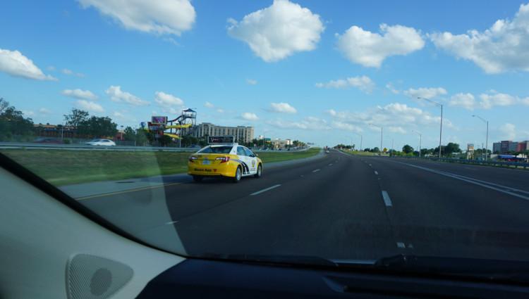 Orlando-Interstate-4-01-Estrada-Carro
