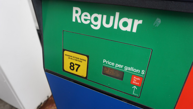 Orlando-Ruas-05-Posto-Gasolina