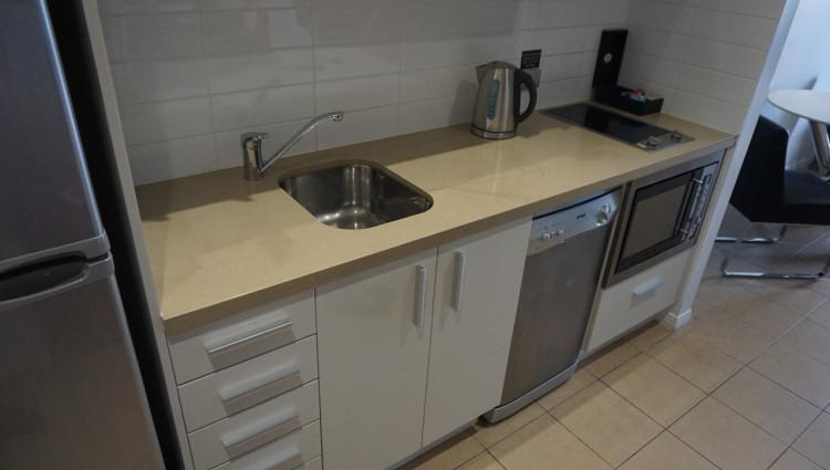 Sony-Gold-Coast-Meriton-Serviced-Apartments-03