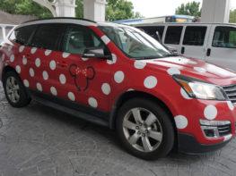 Testei a Minnie Van, o serviço estilo Uber da Disney