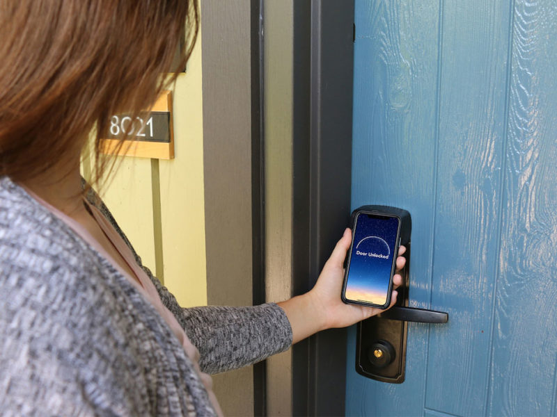 Hóspedes da Disney poderão usar o celular como chave