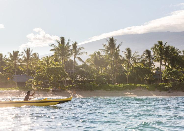 Curiosidades sobre o Hawaii: canoagem em Uluweuweu Bay, Big Island