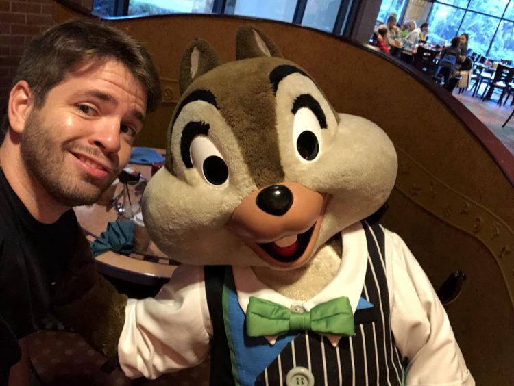Tico no café da manhã do Disneyland Hotel