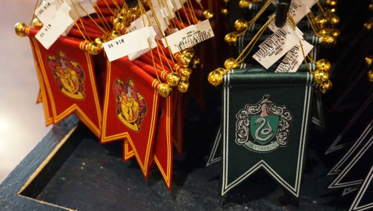 Produtos do Harry Potter nos parques da Universal