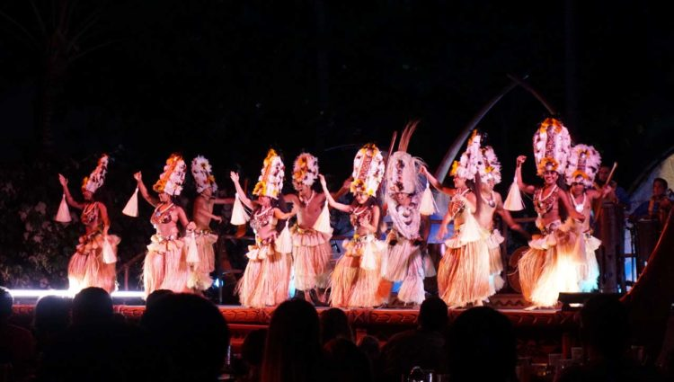 Ka Wa'a: o luau do Aulani