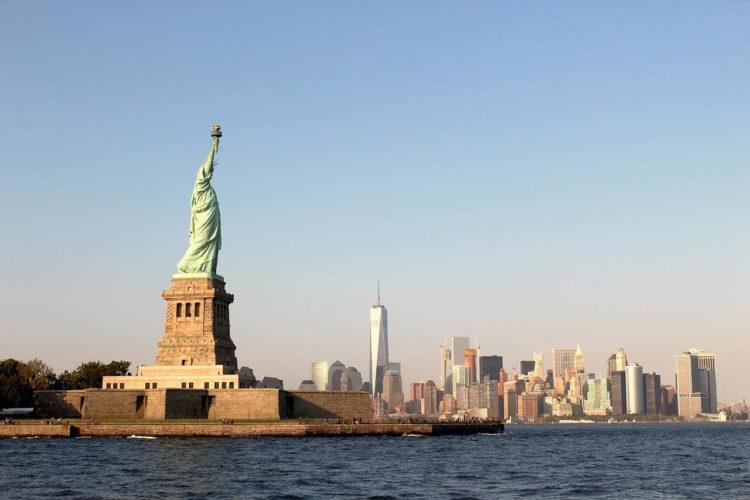 Chegando em Liberty Island